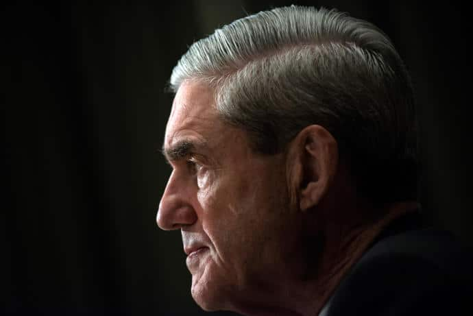 The former F.B.I. director Robert Mueller will look into Russian involvement in the 2016 Presidential election.